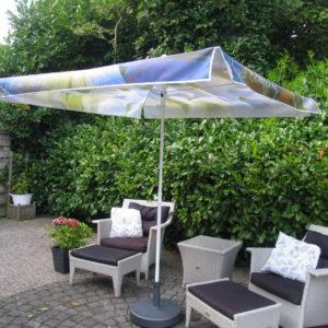 parasol bedrukt met reclame - richtprijs - 150,-