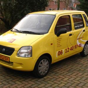 reclamesticker op auto - richtprijs 380,-