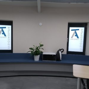 raam stickers voor praktijk - richtprijs 200,-
